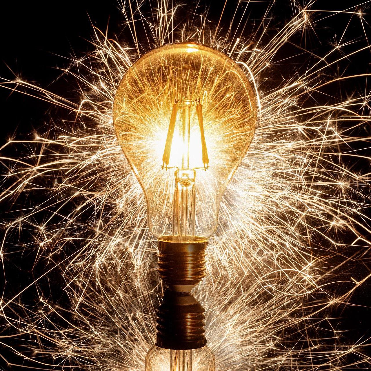 Glühbirne mit Funkenschlag